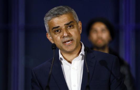 مخالفت شهردار مسلمان لندن با نصب آگهی های بازرگانی غیر اخلاقی