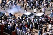 تجمع معترضین سودانی در مقابل وزارت دفاع