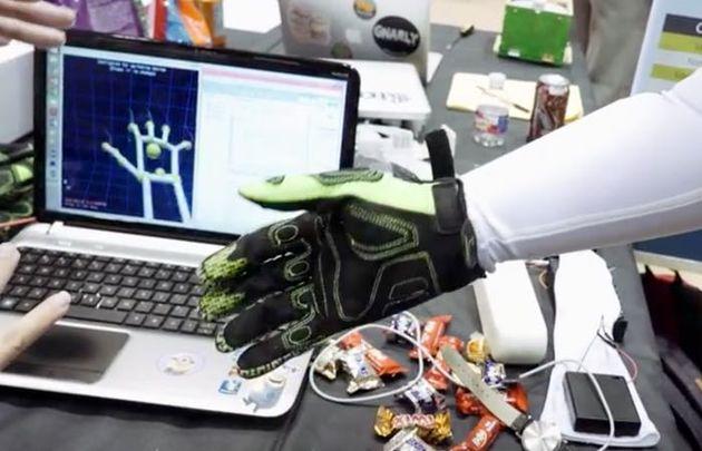لمس واقعیت مجازی به کمک سیستمهای رباتیک