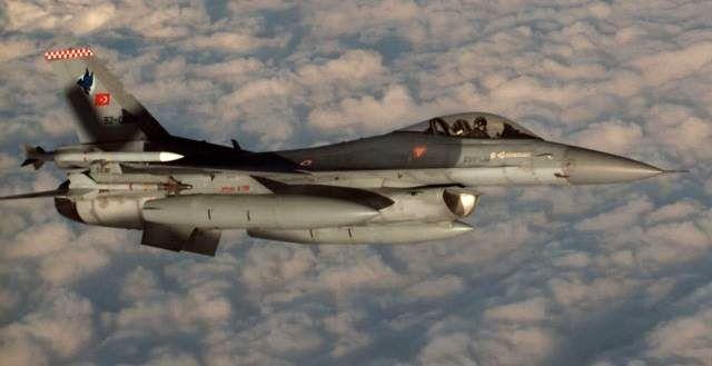 حمله هوایی ترکیه به شمال سوریه و عراق و به جا ماندن تلفاتی از نیروهای پیشمرگ