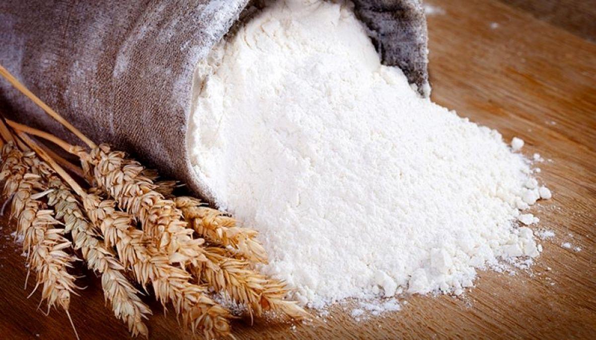 گندم با قیمت ثابت و قبلی به کارخانههای آرد و نانواخانهها عرضه میشود