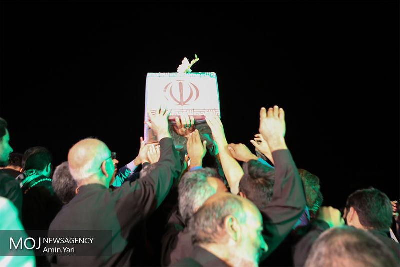 مراسم تشییع پیکر ۱۳۵ شهید گمنام دوران دفاع مقدس آغاز شد