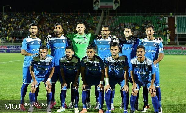 اعتصابکنندههای استقلال خوزستان به باشگاه میروند
