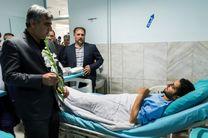 عیادت استاندار گیلان از بیماران در بیمارستان امام خمینی(ره) صومعهسرا