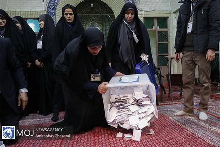 بازگشایی+صندوق+انتخابات+و+آغاز+شمارش+آرا+در+مسجد+لرزاده (1)