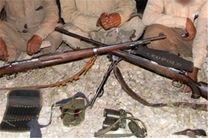 دستگیری 2 شکارچی متخلف در منطقه حفاظت شده کرکس نطنز / کشف لاشه یک قوچ وحشی