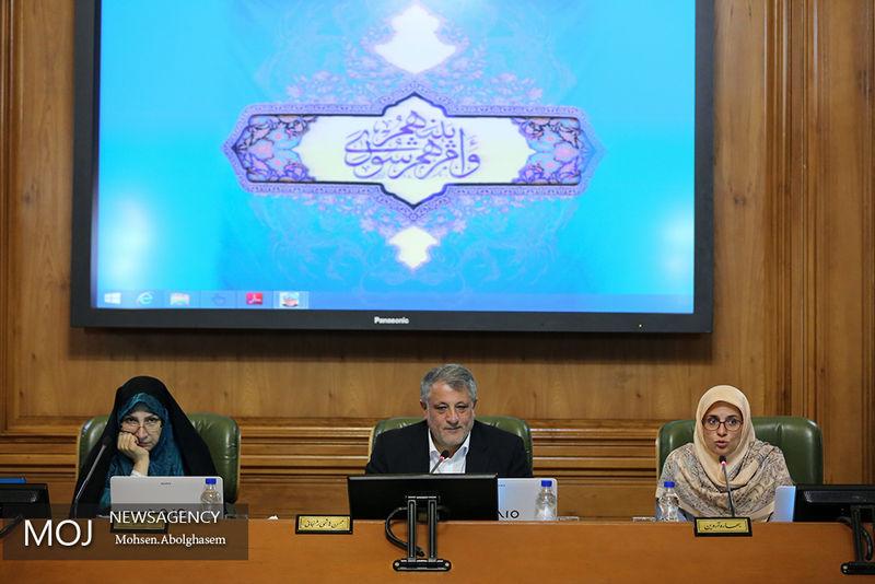 انصاری لاری همچنان کاندیدا شهرداری تهران است