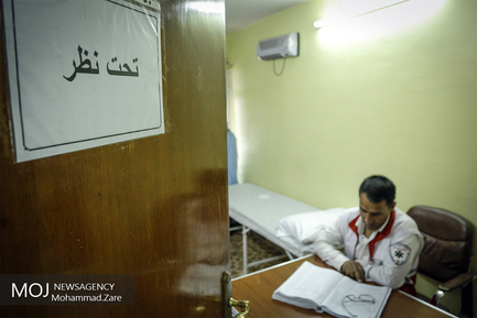 خدمات درمانی به زائران همزمان با روز عرفه در نجف اشرف