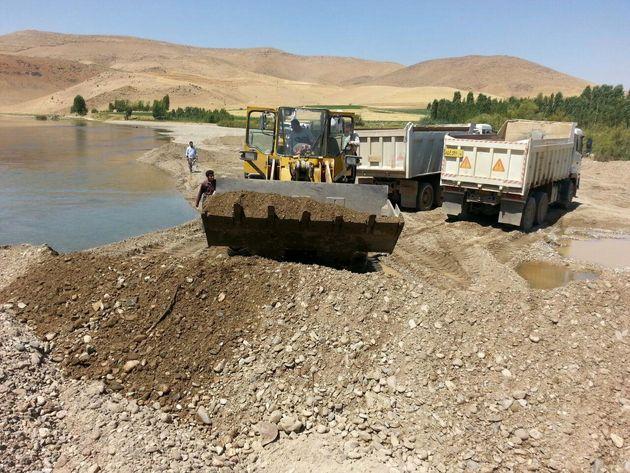 پیشگیری از  برداشت مخلوط شن و ماسه در منطقه نخل یوسف