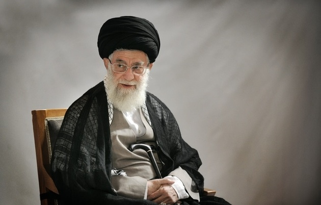 جمعی از اهالی فرهنگ، شعر و ادب فارسی با رهبر معظم انقلاب دیدار میکنند