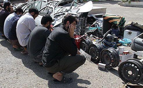 انهدام باند سارقان خودرو در بندرعباس/ کشف 11 دستگاه خودروی مسروقه در بندرعباس