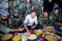 بشار اسد در ضیافت افطاری سربازان سوریه + عکس