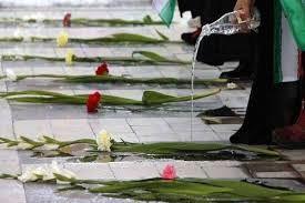 گلزار شهدای خرمشهر به مناسبت روز سوم خرداد غبار روبی شد
