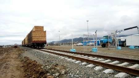 122 واگن تخته از طریق راه آهن آستارا به کشور وارد شد