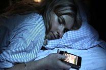 تاثیر استفاده از گوشی های هوشمند بر کیفیت و ساعت خواب
