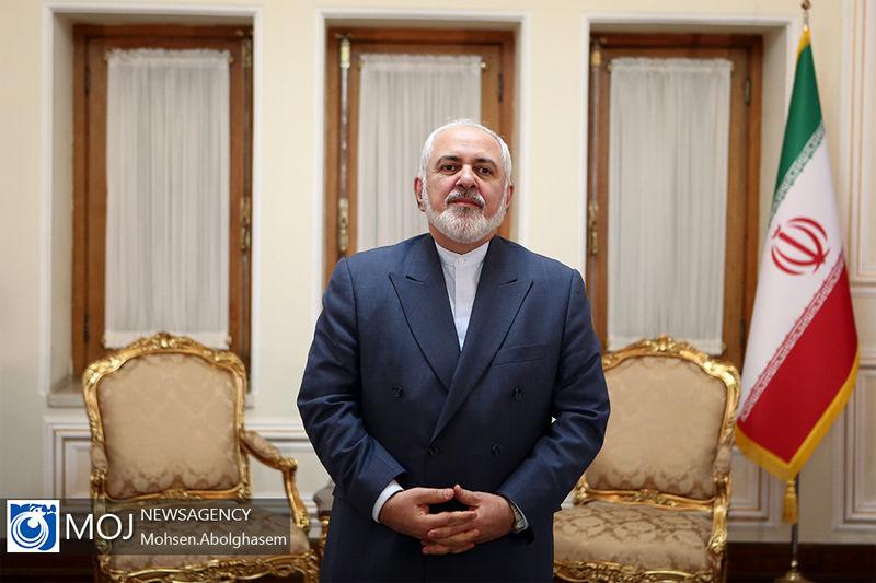واکنش ظریف به ارتباط دادن اهانت نشریه فرانسوی به پیامبر اسلام (ص) به آزادی بیان