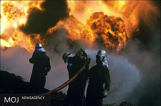 حریق کانتینر مواد شیمیایی در جاده کرج مهار شد