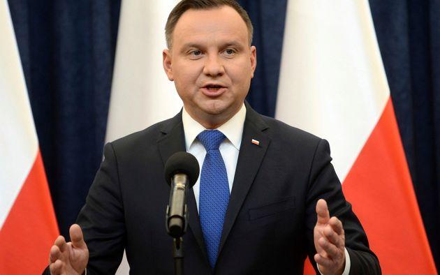 رئیس جمهور لهستان قانون ضد هولوکاست را تأیید کرد