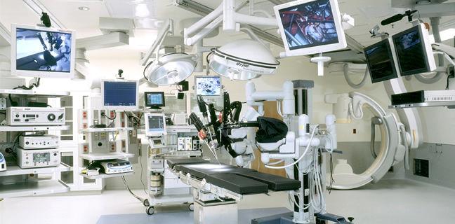 صدور آیین نامههای غیرکارشناسی وزارت بهداشت در استفاده از تجهیزات پزشکی