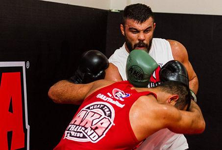 برنامه ریزی کرده ام تا بتوانم پیروز از رینگ خارج شوم/نگاه امیر علی اکبری به پیروزی مقابل دنیل امیلیان چنکو