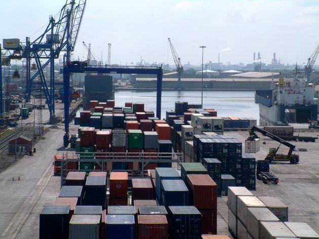 صادرات غیرنفتی نیاز به حمایت دارد/رشد ۳۸ درصدی صادرات غیر نفتی درسال ۹۵