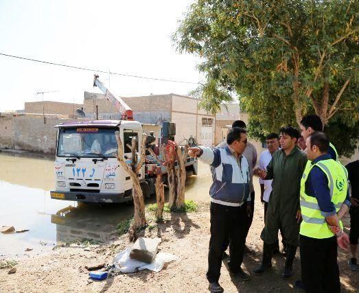 اقدامات اکیپ بحران شرکت آب و فاضلاب استان اصفهان در مهار پساب مناطق سیل زده در اهواز