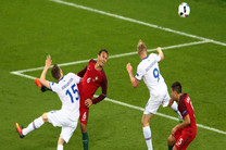 «آرناسون» بهترین بازیکن بازی ایسلند و اتریش شد