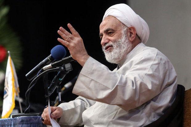 واکنش حجت الاسلام قرائتی به شایعه فوت خود/ شرمنده محبت مردم هستم