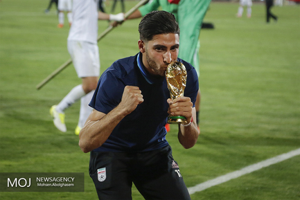 جشن صعود به جام جهانی روسیه در پایان بازی ایران و ازبکستان