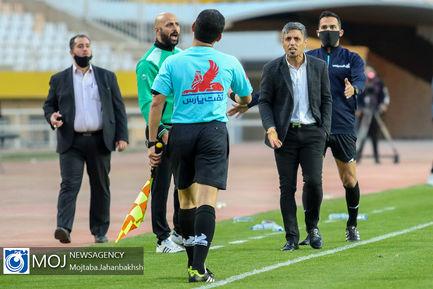 دیدار تیم های فوتبال سپاهان اصفهان و آلومینیوم اراک