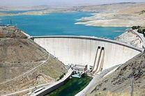 دریچههای سد زایندهرود بازگشایی شد/آب تا 48 ساعت آینده به شهر اصفهان می رسد