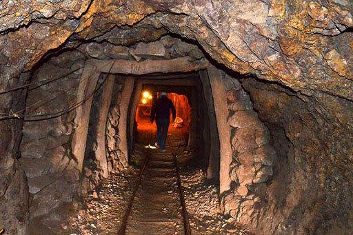 ممنوعیت فعالیت های معدنی خارج از چارچوب قوانین و ضوابط
