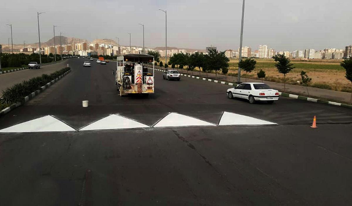 طرح آشکارسازی سرعتگیرهای معابر در سطح مناطق شهری قم اجرا میشود