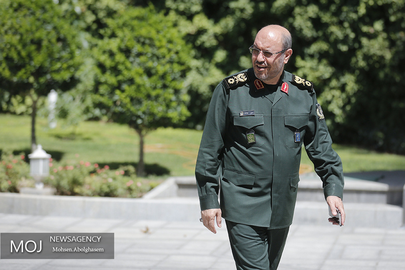 وزیر دفاع دولت دوازدهم خارج از وزارت دفاع نخواهد بود