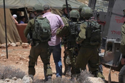 Zionist regime forces arrested 8 Palestinians in West Bank
