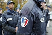 کارکنان اداره پلیس فرانسه احساس خطر می کنند