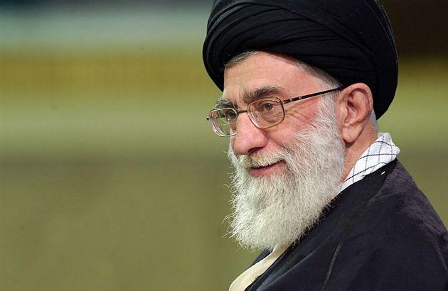 رهبر معظم انقلاب اسلامی با عفو و تخفیف مجازات تعدادی از محکومان موافقت کردند