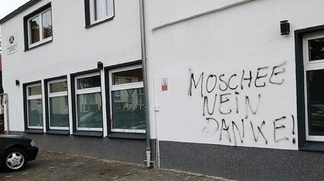 3 مسجد در آلمان تهدید به بمب گذاری شدند
