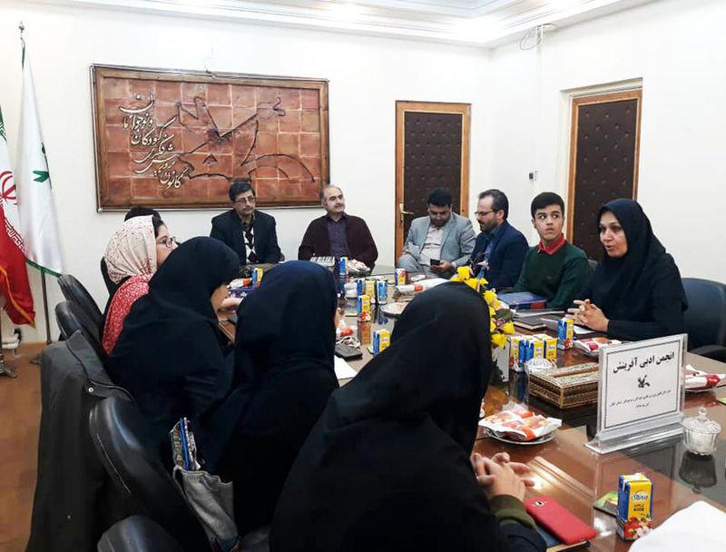 انجمن ادبی آفرینش با حضور «شاعر و ناشر» برگزار شد