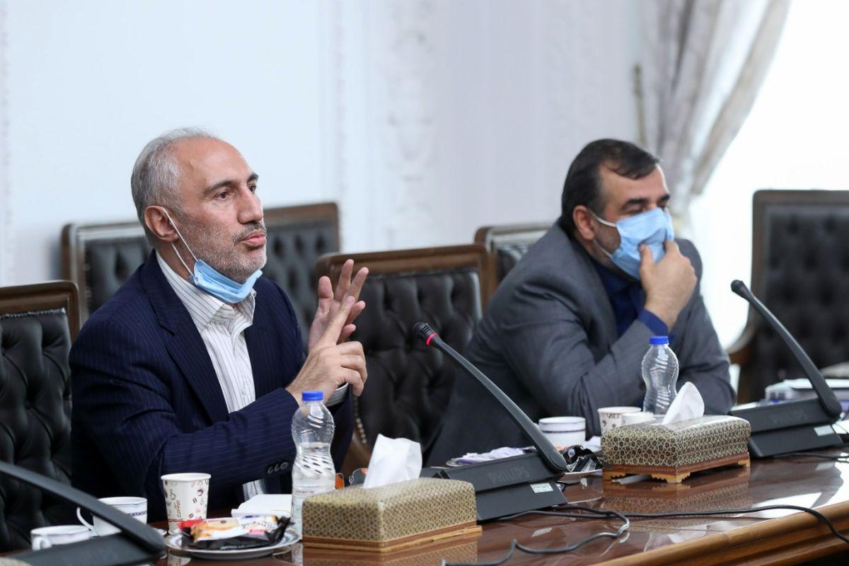 حضور پررنگ مدیران مالی و بانکی احمدی نژاد در جلسات اقتصادی دولت رییسی