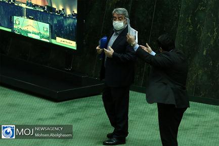 درگیری لفظی نماینده مردم خوزستان با وزیر کشور در مورد استاندار خوزستان