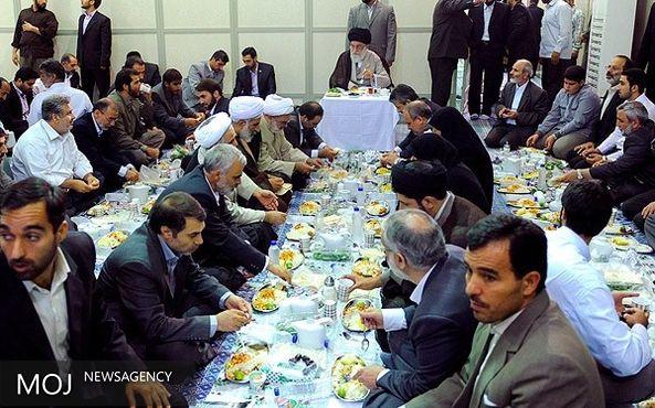 ضیافت افطار رهبری برای مسئولان لشکری و کشوری