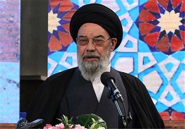 تقدیر نماینده ولی فقیه استان اصفهان  از حضور پرشور مردم در راهپیمایی
