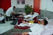 اهداکنندگان خون یک نوبت از دفعات اهدای خود را در ماه مبارک رمضان قرار دهند