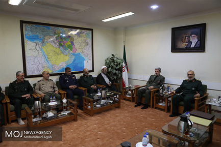 دیدار وزیر دفاع با فرمانده کل سپاه پاسداران