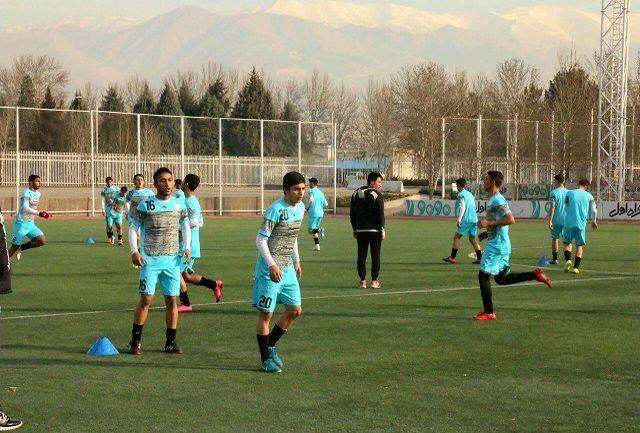 آغاز اردوی تیم ملی فوتبال نوجوانان در ورزشگاه امام رضا(ع)