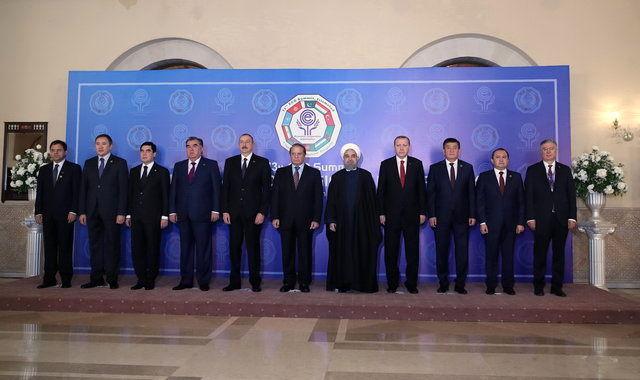 دیدار روحانی و اردوغان در حاشیه اجلاس اکو