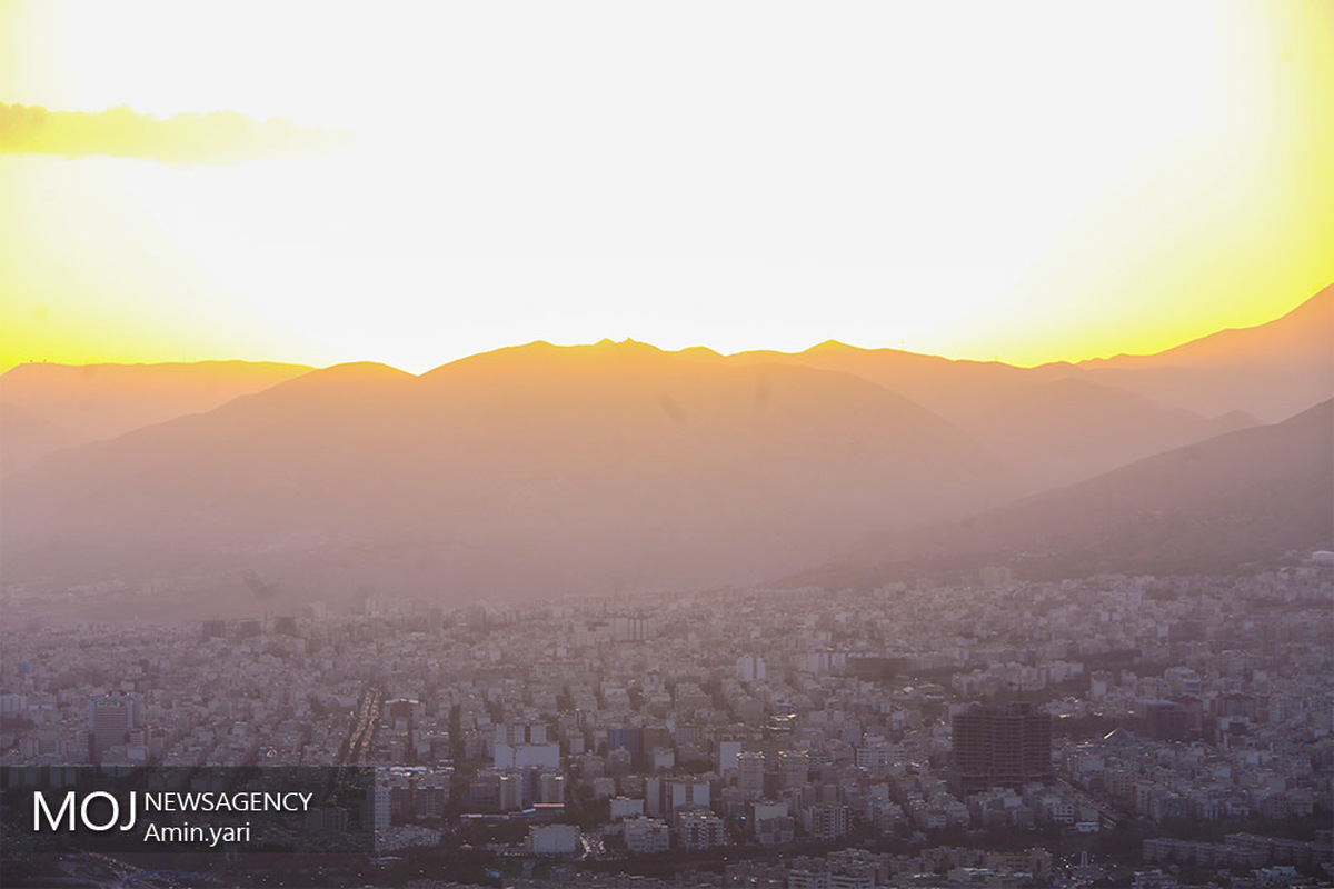 کیفیت هوای تهران ۲۴ اردیبهشت ۱۴۰۰/شاخص کیفیت هوا به ۶۹ رسید