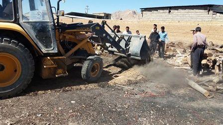 هفت حلقه چاه غیر مجاز تولید زغال در نجف آباد تخریب شد