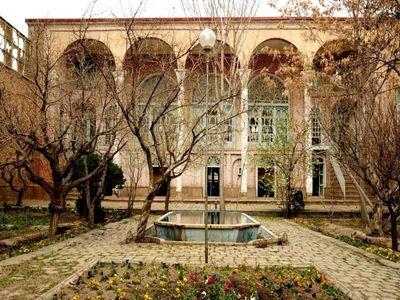 مهم ترین هدف از راهاندازی خانههای ایرانی حمایت از هنرمندان صنایع دستی است